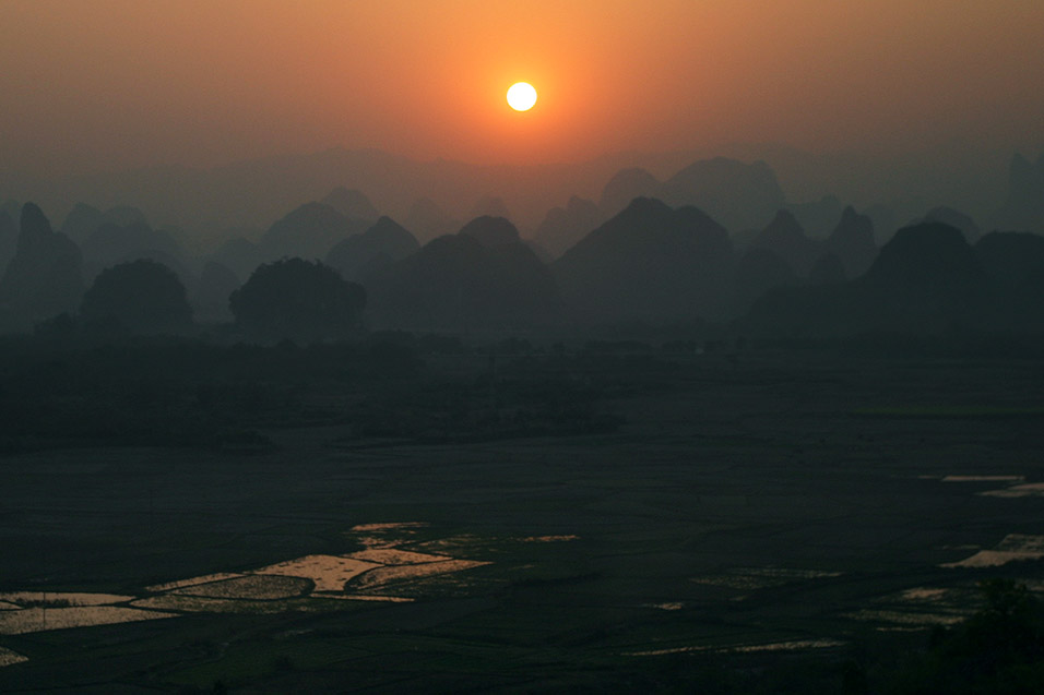 china/2007/yangshuo_shitoucheng_sunset_view_2
