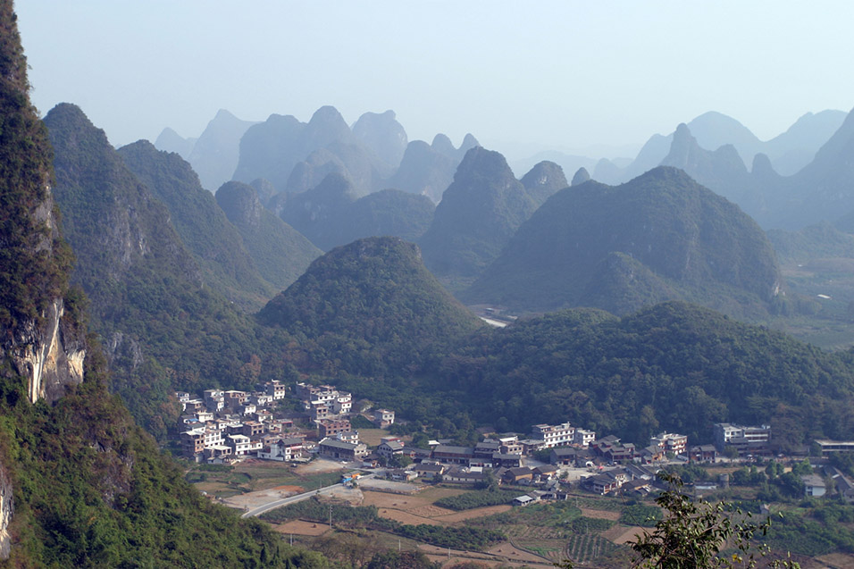 china/2007/yangshuo_view_from_moon_hill