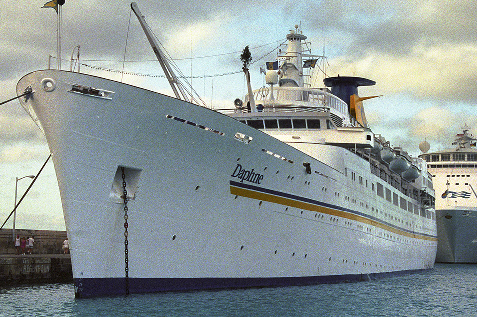 cruise_ships/star_princess_1991/mts_daphne_costa_1991