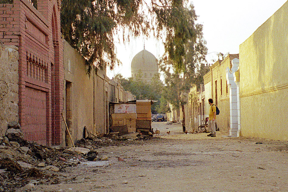egypt/1998/cairo_city_of_the_dead_alley_brian