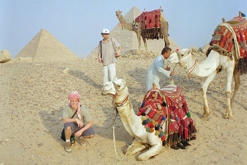 egypt/1998/pyramids_todd_brian_camels