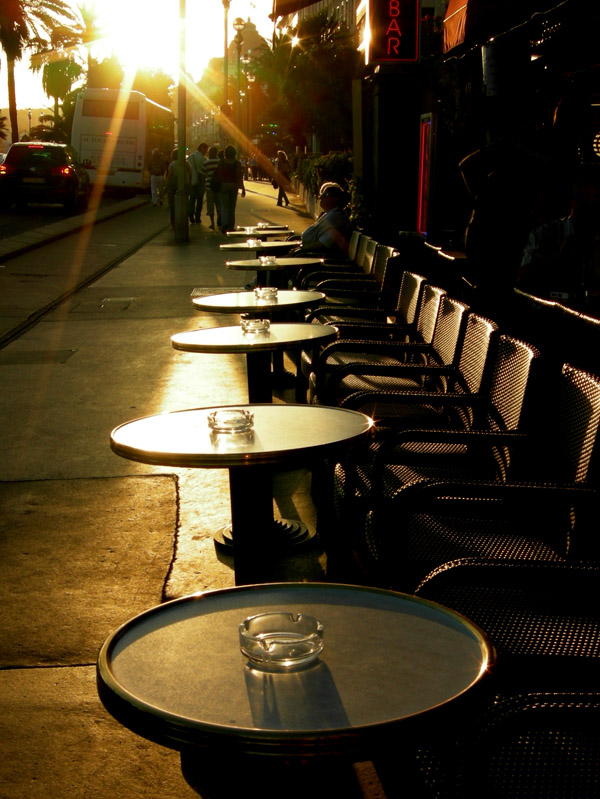 france/nice_cafe_tables_sunset