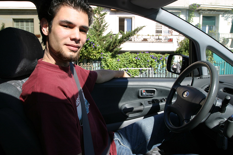 france/nice_yves_driving