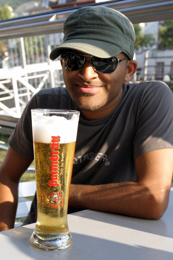 germany/hb_boat_jubi_beer