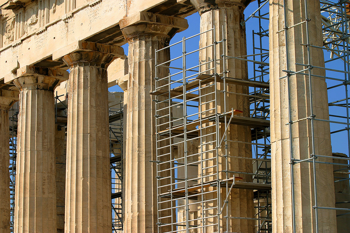 greece/acrapolis_pillars_scafolding_2