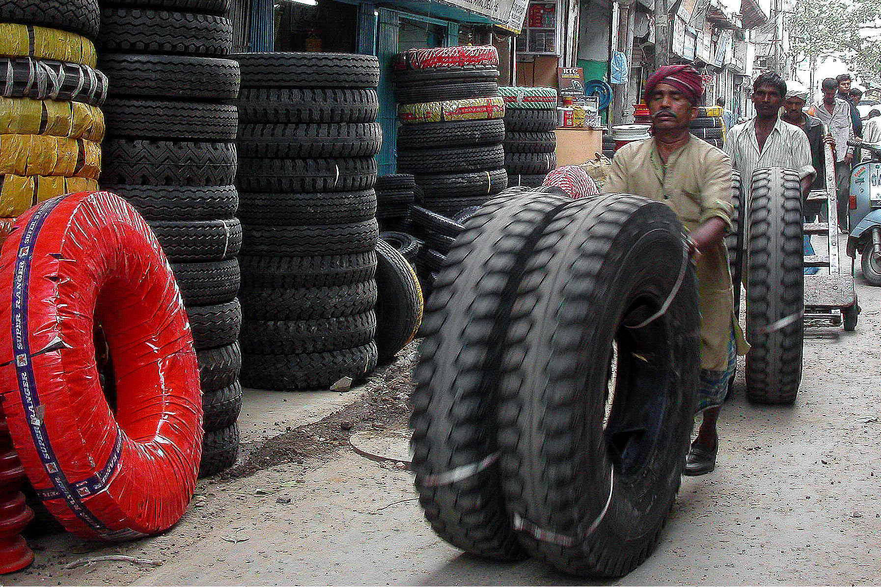 india/delhi_old_tyres
