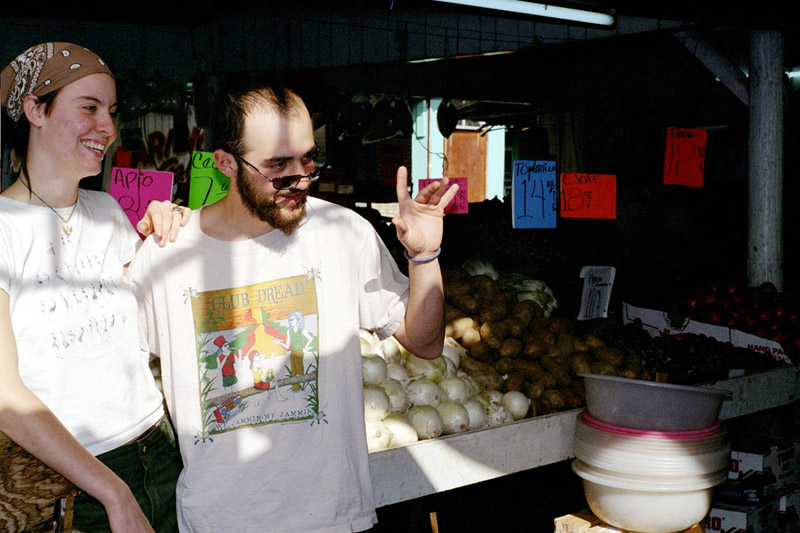 mexico/2001/fruit_stand