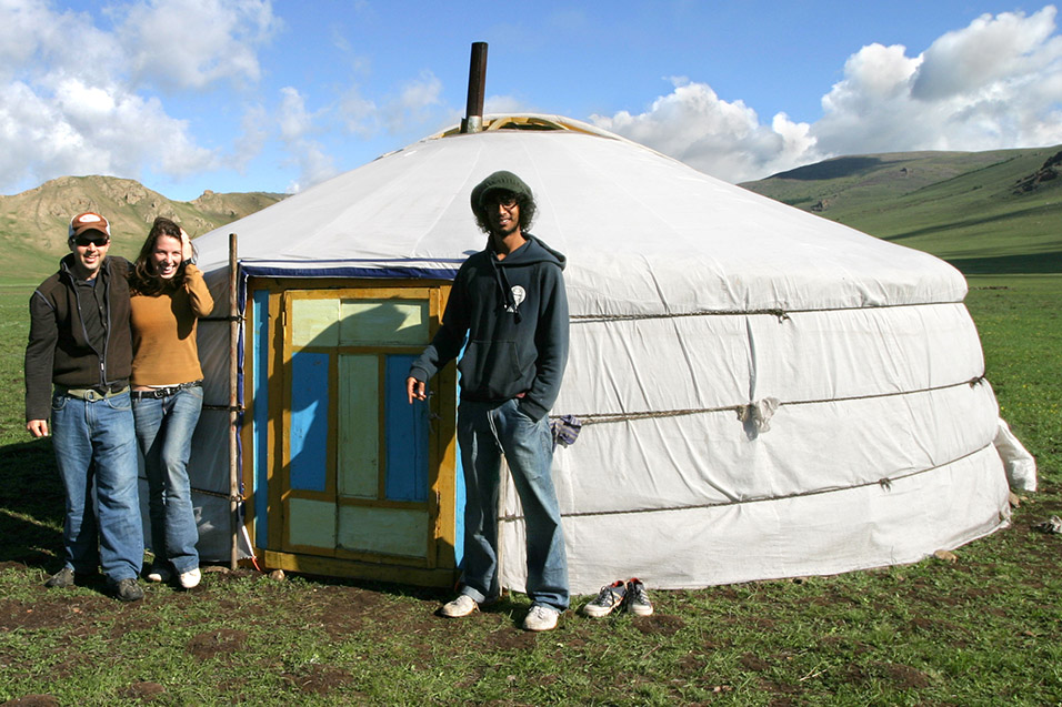 mongolia/lake_tsetserleg_brian_friends_ger