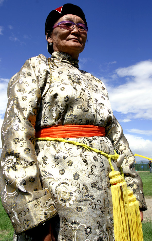 mongolia/ub_mongol_elderly_woman