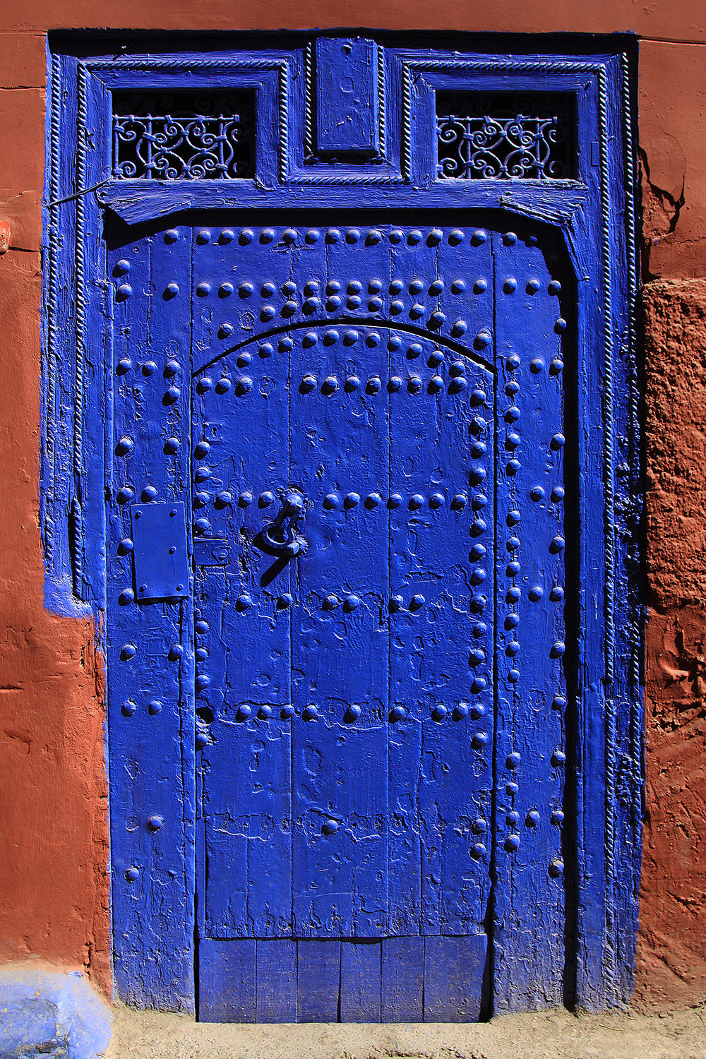 morocco/marrakech_blue_door_near_medersa