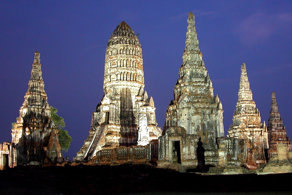 thailand/2004/ayutthaya_night