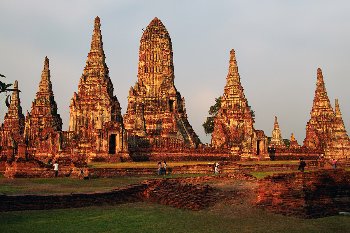 thailand/2004/ayutthaya_temple_ancient_sunset