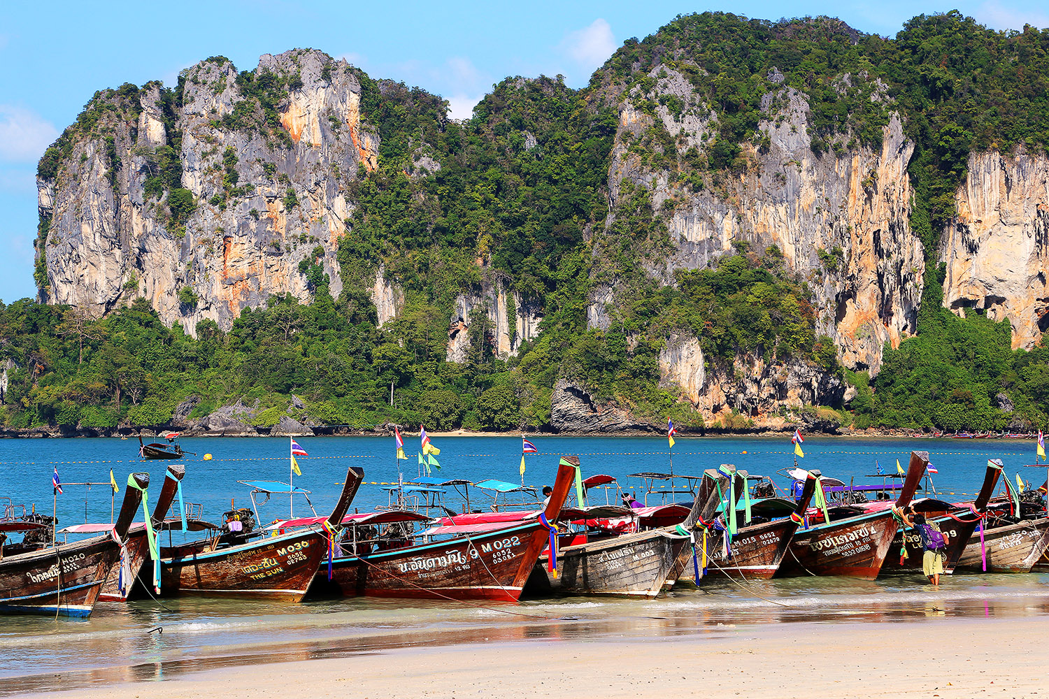 thailand/2017/railay_west_long_tails_view